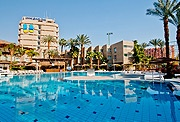 בואו ליהנות מחופשה מפנקת ובלתי נשכחת במלון U קורל ביץ': הזמינו חופשה עכשיו ותיהנו ממחיר מיוחד.
