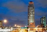 המלון ממוקם על גבול תל אביב - רמת גן: קרוב לבורסת היהלומים, לתחנת רכבת מרכז ולנתיבי איילון